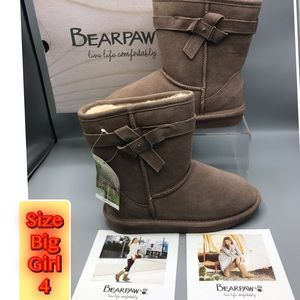 Bear Paw Live life Comfortable Taupe Big Girl 4